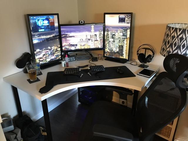 PC_Desk_MultiDisplay100_29.jpg
