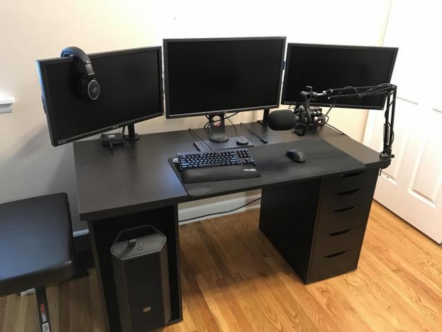 PC_Desk_MultiDisplay100_33.jpg