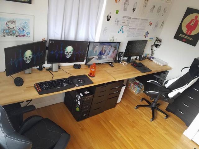 PC_Desk_MultiDisplay100_35.jpg