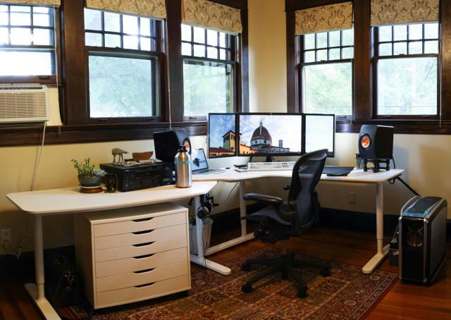 PC_Desk_MultiDisplay100_38.jpg