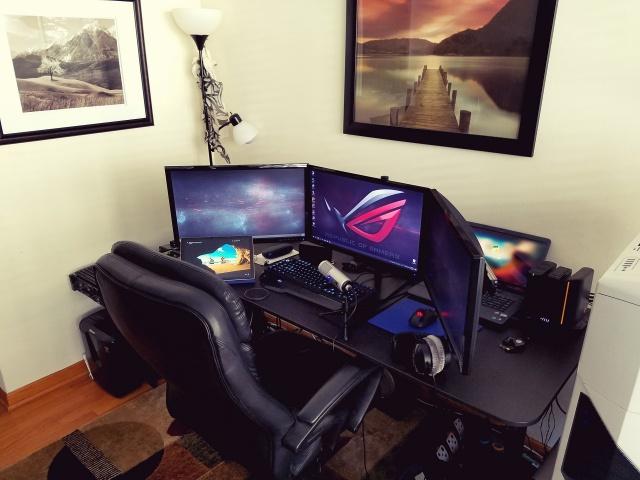 PC_Desk_MultiDisplay100_40.jpg