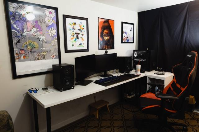 PC_Desk_MultiDisplay100_47.jpg
