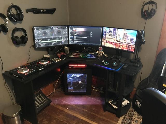 PC_Desk_MultiDisplay100_50.jpg