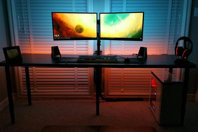 PC_Desk_MultiDisplay100_63.jpg