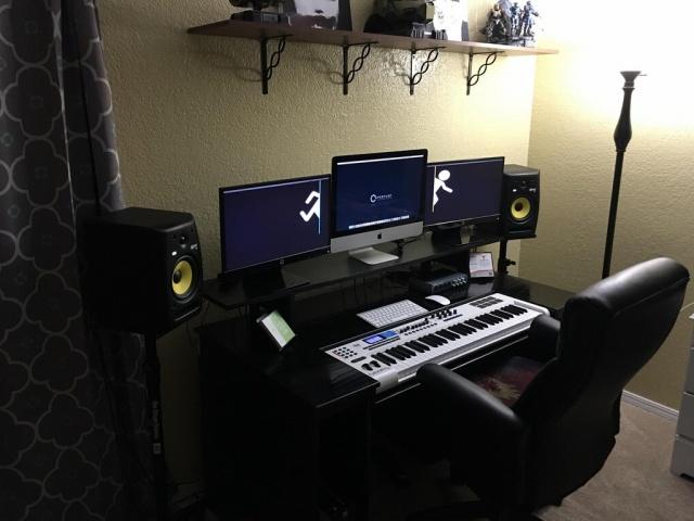 PC_Desk_MultiDisplay100_64.jpg