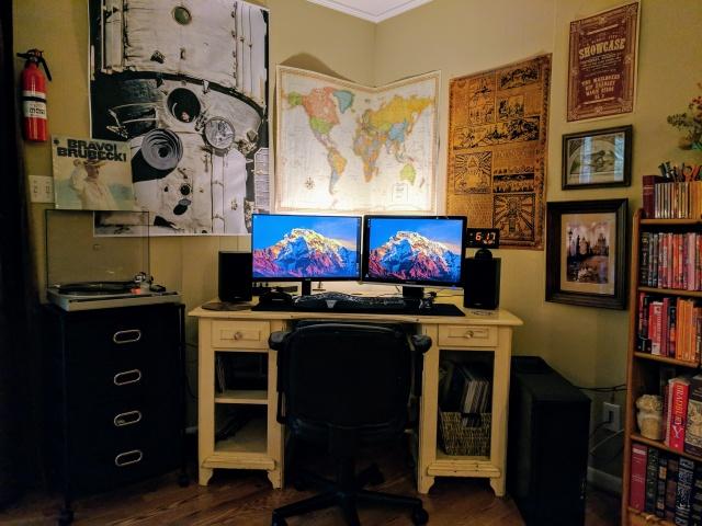 PC_Desk_MultiDisplay100_71.jpg