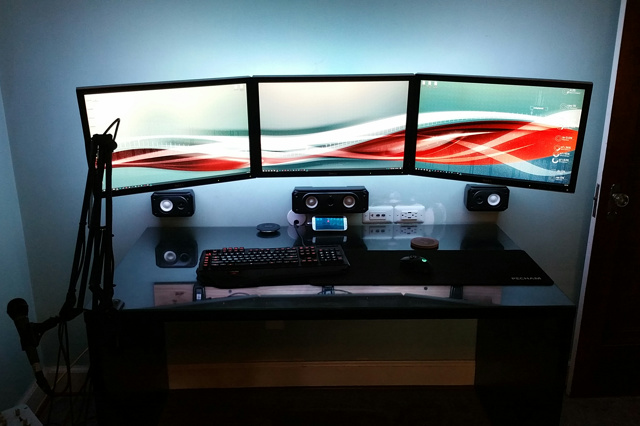 PC_Desk_MultiDisplay100_79.jpg