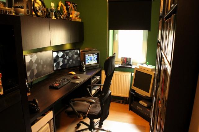 PC_Desk_MultiDisplay101_12.jpg