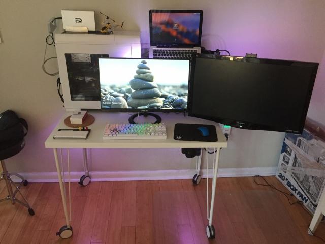 PC_Desk_MultiDisplay101_22.jpg