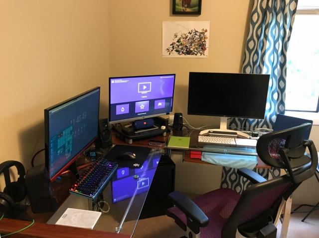 PC_Desk_MultiDisplay101_41.jpg