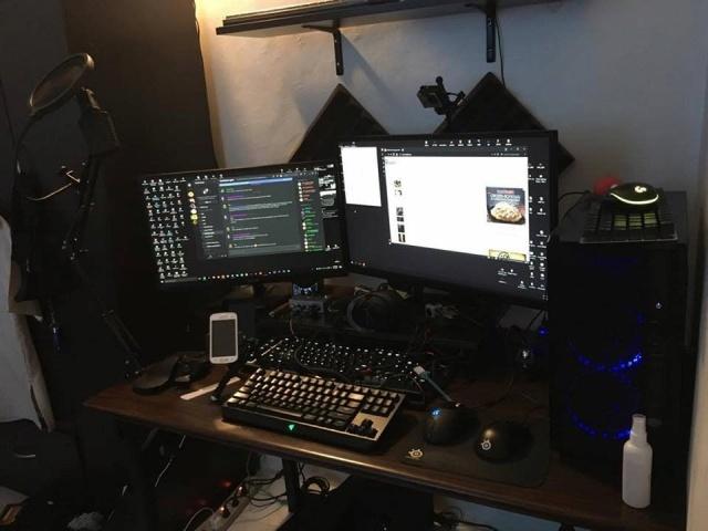 PC_Desk_MultiDisplay101_56.jpg