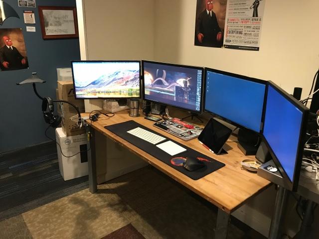 PC_Desk_MultiDisplay101_69.jpg