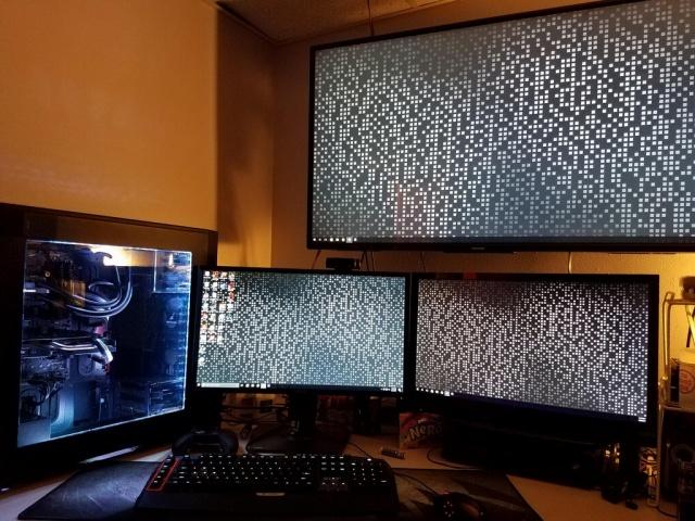 PC_Desk_MultiDisplay101_88.jpg