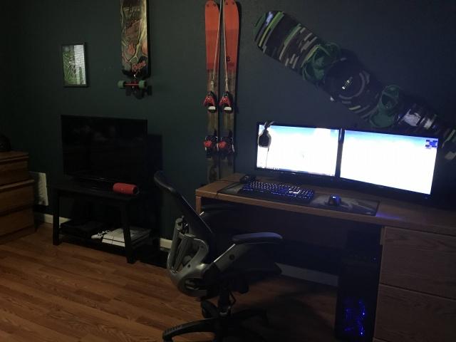 PC_Desk_MultiDisplay102_03.jpg