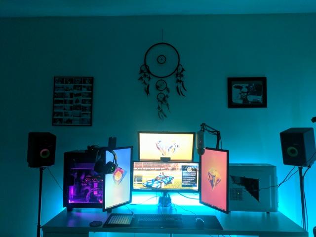 PC_Desk_MultiDisplay102_06.jpg