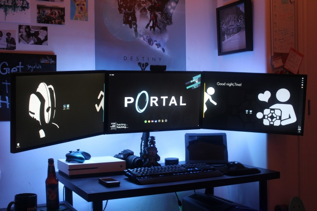 PC_Desk_MultiDisplay102_77.jpg