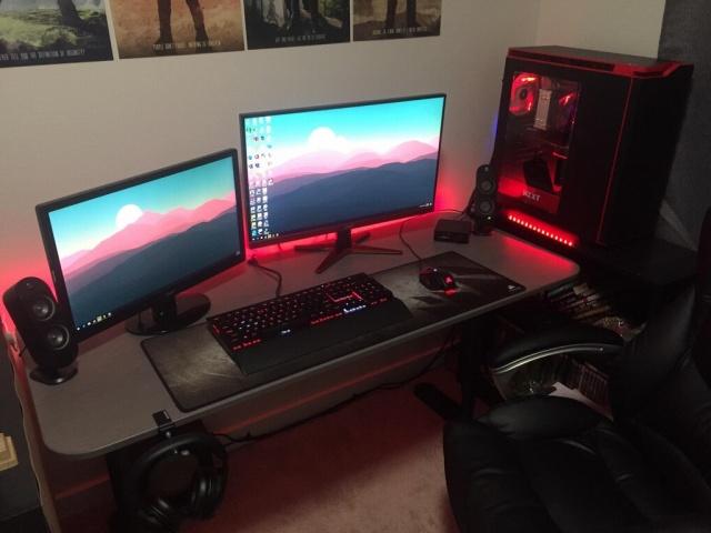 PC_Desk_MultiDisplay104_02.jpg