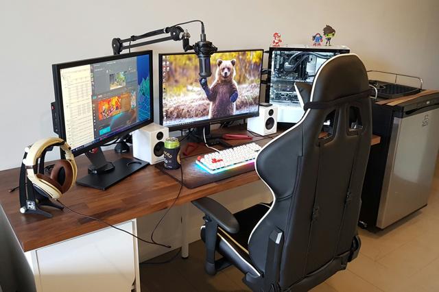 PC_Desk_MultiDisplay104_03.jpg