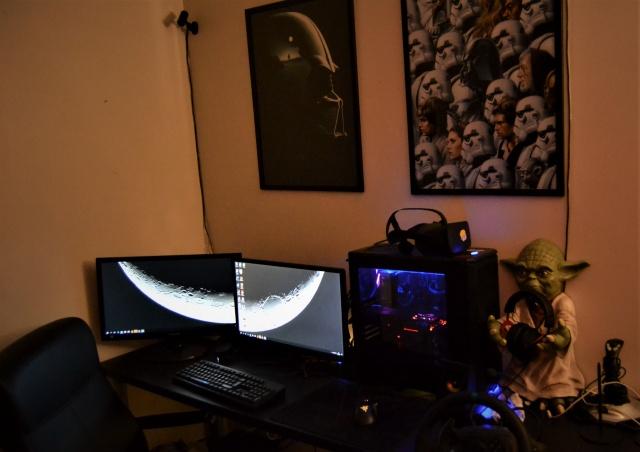 PC_Desk_MultiDisplay104_12.jpg