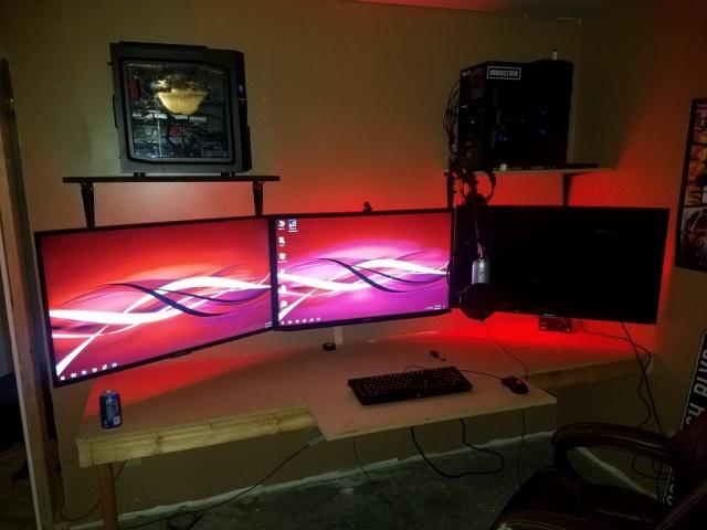 PC_Desk_MultiDisplay104_13.jpg