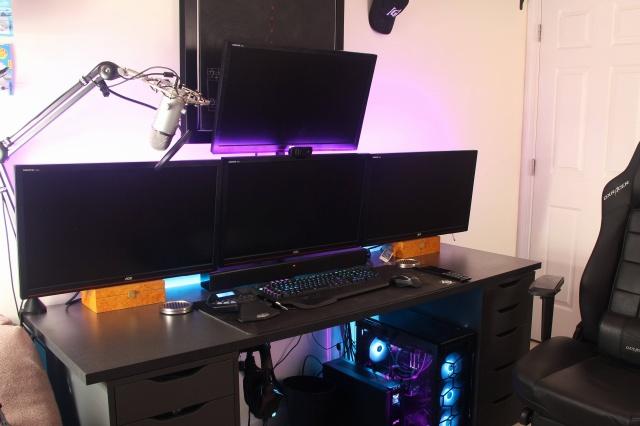 PC_Desk_MultiDisplay104_14.jpg