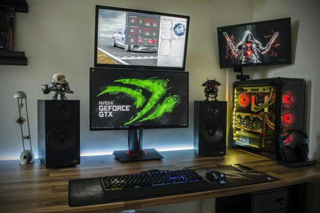 PC_Desk_MultiDisplay104_19.jpg