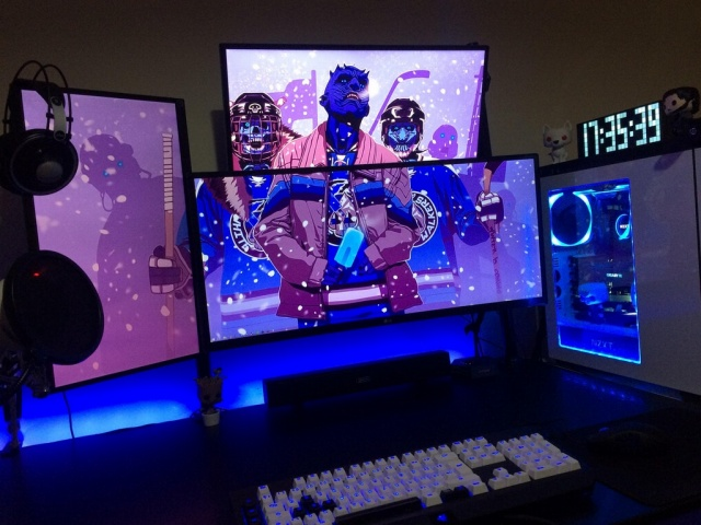 PC_Desk_MultiDisplay104_22.jpg