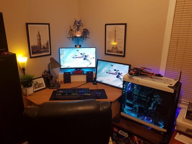 PC_Desk_MultiDisplay104_25.jpg