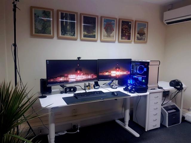 PC_Desk_MultiDisplay104_27.jpg