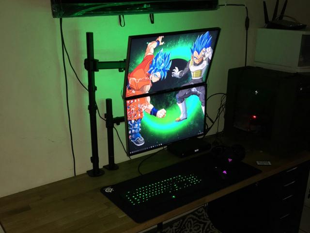 PC_Desk_MultiDisplay104_31.jpg