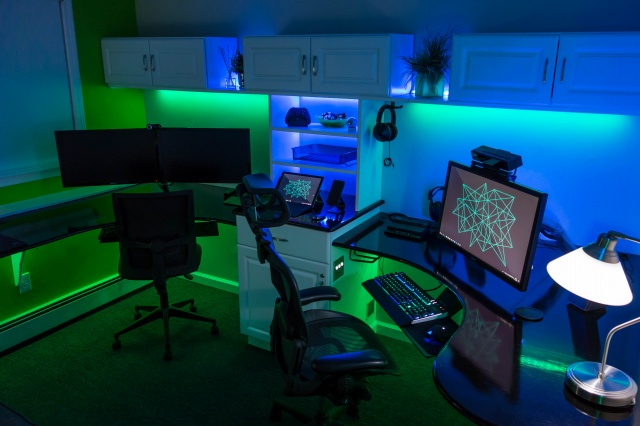 PC_Desk_MultiDisplay104_38.jpg