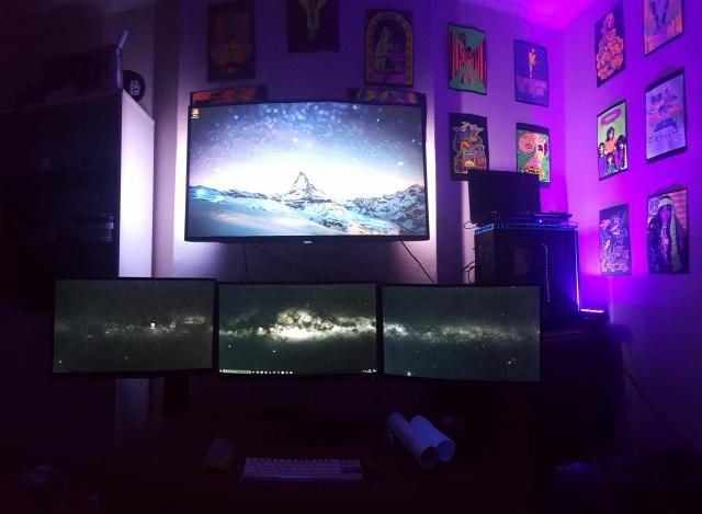 PC_Desk_MultiDisplay104_39.jpg