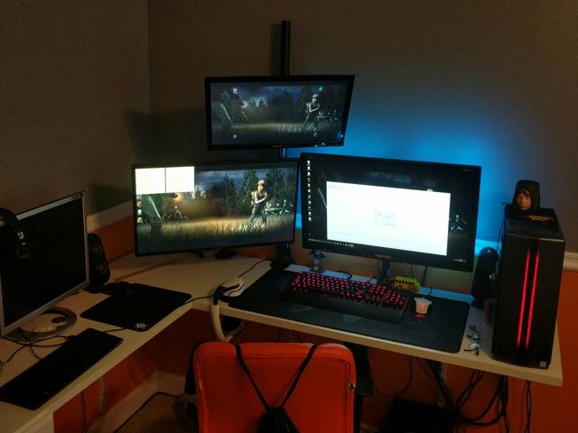 PC_Desk_MultiDisplay104_45.jpg