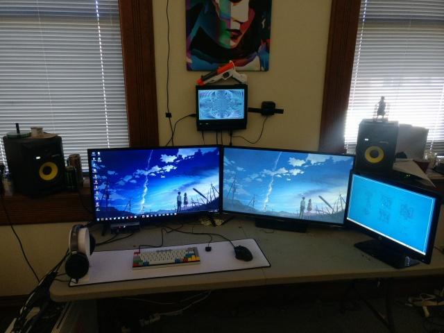 PC_Desk_MultiDisplay104_47.jpg