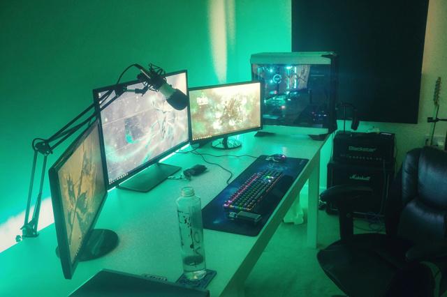 PC_Desk_MultiDisplay104_49.jpg