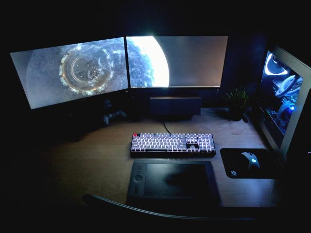 PC_Desk_MultiDisplay104_51.jpg