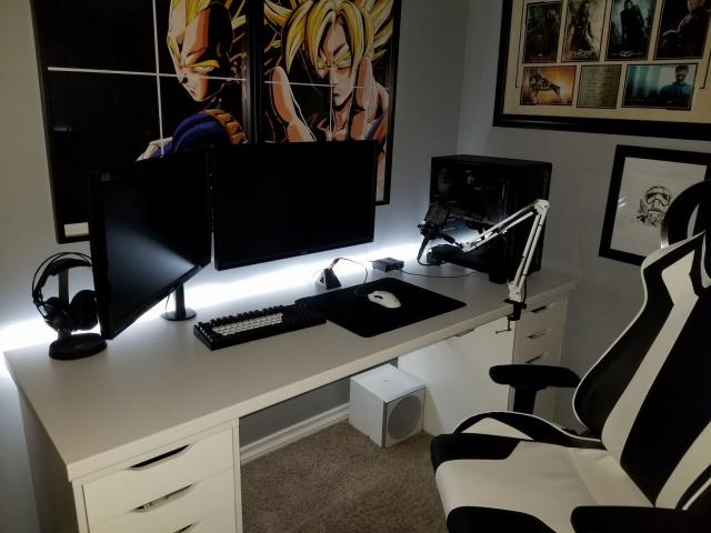 PC_Desk_MultiDisplay104_55.jpg