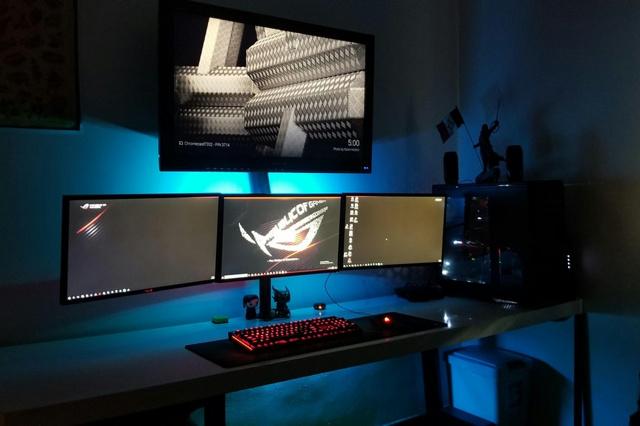 PC_Desk_MultiDisplay104_56.jpg