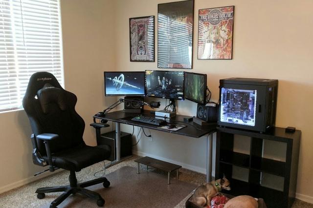 PC_Desk_MultiDisplay104_82.jpg