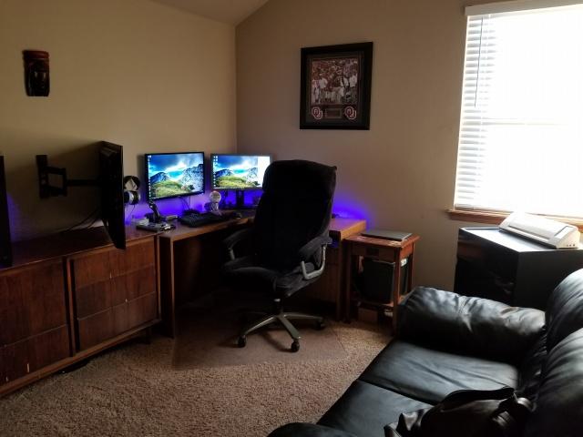 PC_Desk_MultiDisplay104_86.jpg