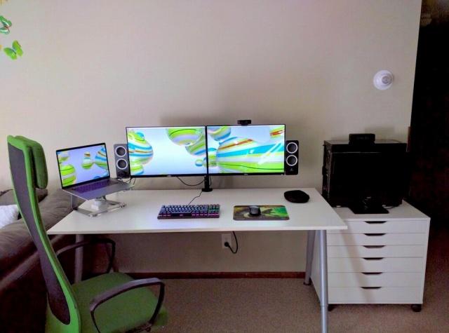 PC_Desk_MultiDisplay104_89.jpg
