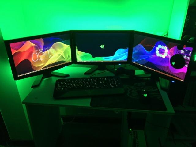 PC_Desk_MultiDisplay104_95.jpg