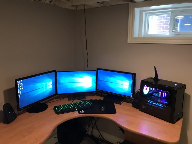 PC_Desk_MultiDisplay105_06.jpg