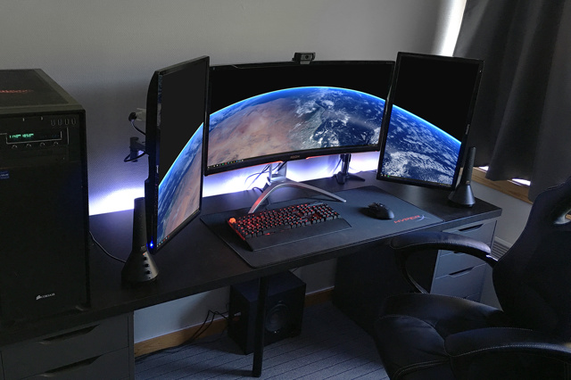 PC_Desk_MultiDisplay105_42.jpg
