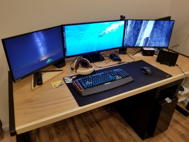 PC_Desk_MultiDisplay106_31.jpg