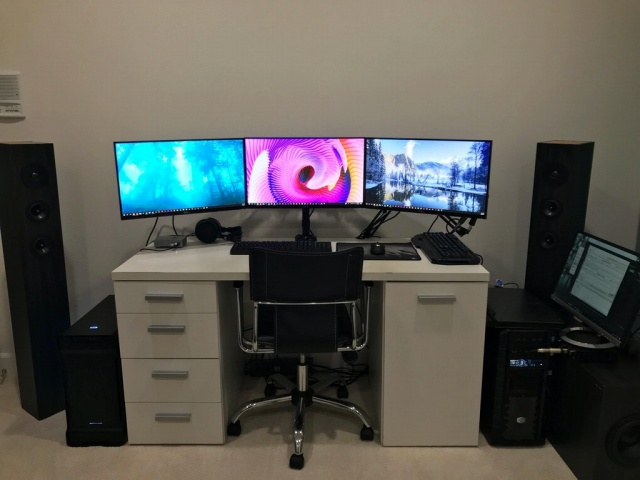 PC_Desk_MultiDisplay106_35.jpg