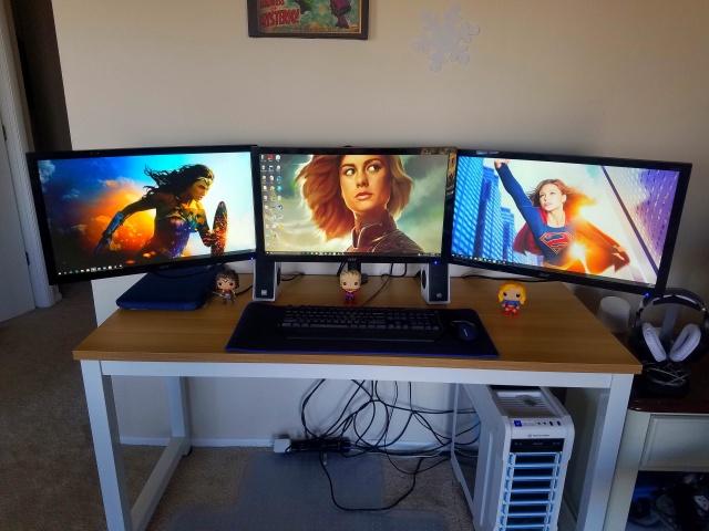 PC_Desk_MultiDisplay108_05.jpg