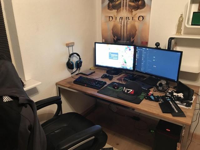 PC_Desk_MultiDisplay108_22.jpg