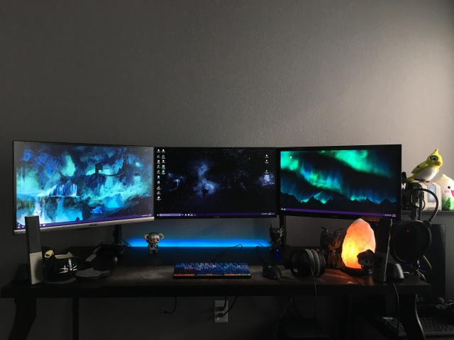 PC_Desk_MultiDisplay108_27.jpg