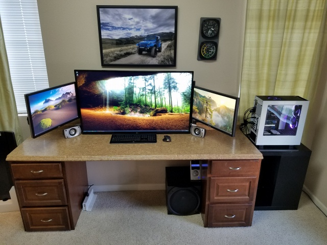 PC_Desk_MultiDisplay108_43.jpg
